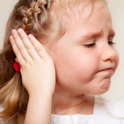 como sacar agua del oido