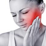 8 Causas y tratamientos para el dolor agudo detrás de la oreja