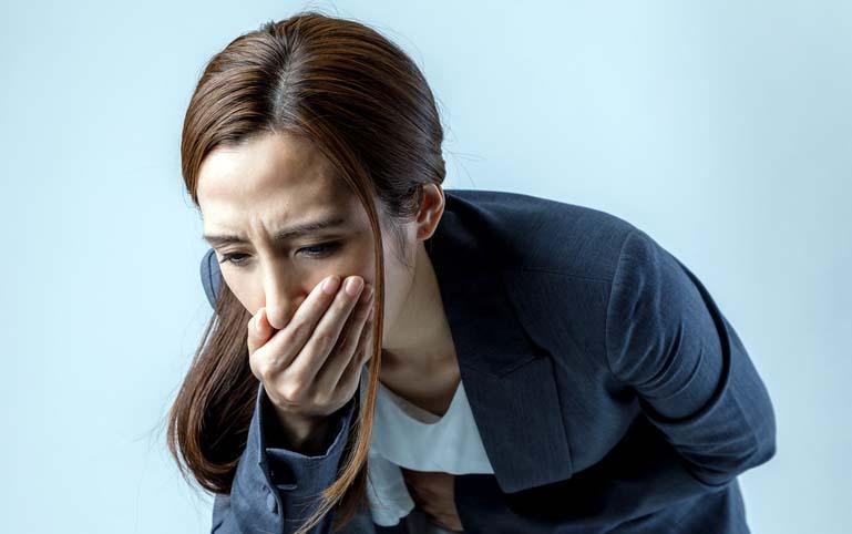 Cammon causa de dolores de estómago después de comer cualquier cosa
