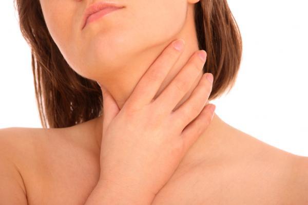 Dolor de garganta y dolor de cuello