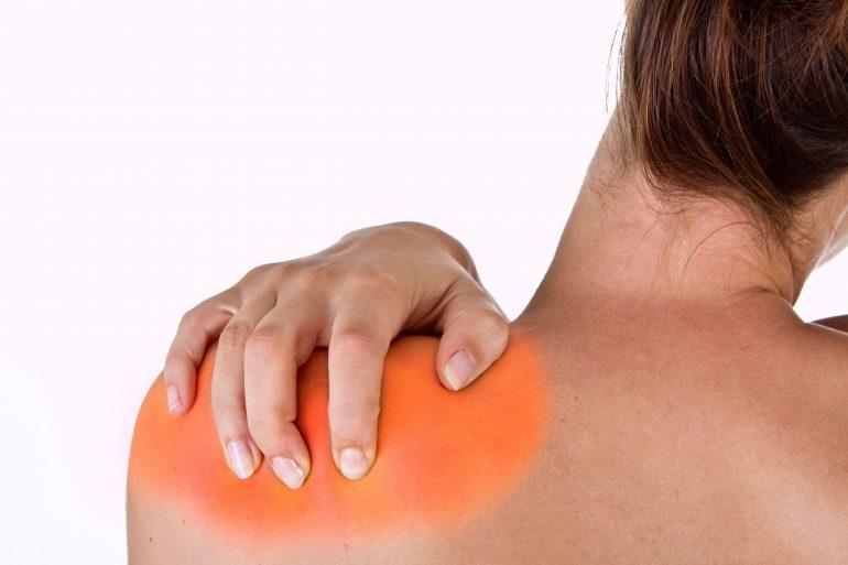 El hombro izquierdo duele después de comer