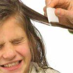 El tinte para el cabello matará a los piojos
