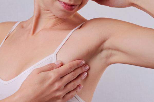 Qué causa bultos dolorosos en las axilas