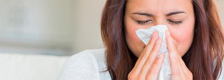 Qué causa la tos en la mucosa sanguinolenta