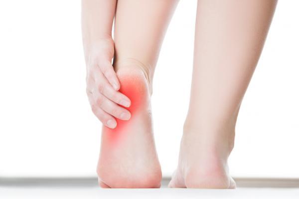 dolor-en-la-parte-posterior-del-talon-causas-sintomas-y-tratamiento
