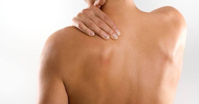 Cómo aliviar la tensión de cuello y hombros