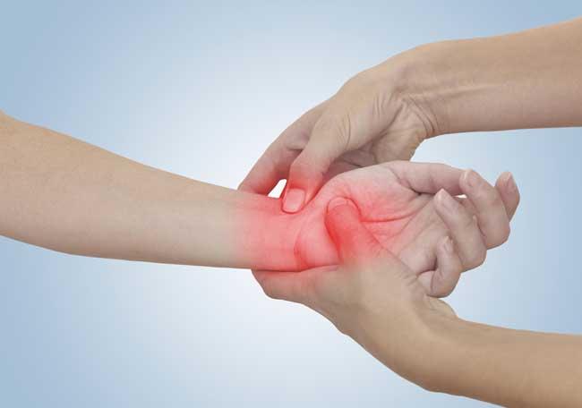 dolor-hinchazón-nudillo-dedo