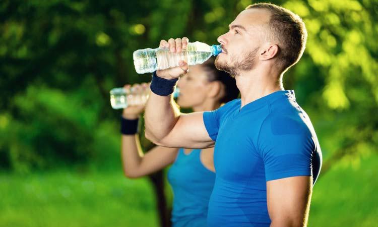 cuanto-deberia-beber-agua-diariamente