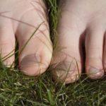 El dedo gordo del pie roto síntomas y tratamiento