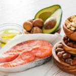 ¿Cuáles son los efectos secundarios negativos de una dieta baja en carbohidratos?