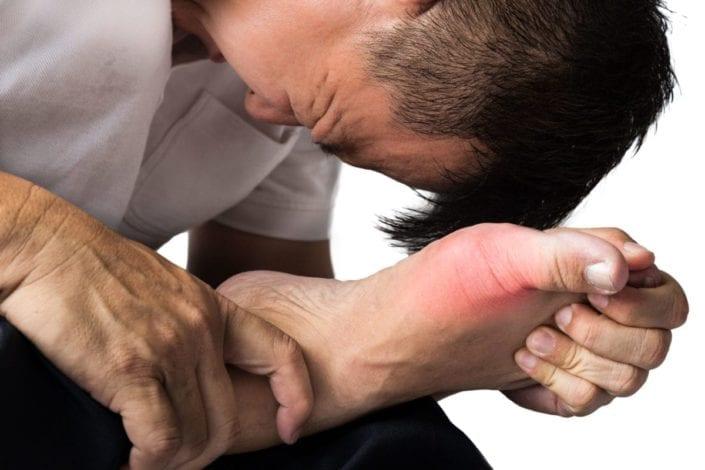 la-gota-causa-los-sintomas-de-los-tratamientos