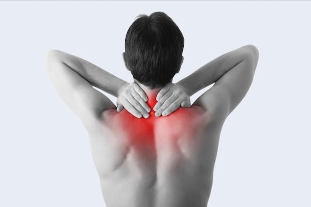 espasmos-musculares-en-cuello-y-hombro