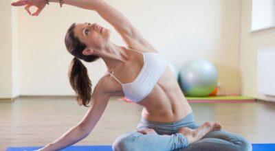 7-posturas-de-yoga-que-te-ayudan-a-aliviar-el-estres