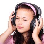 auriculares-riesgos-para-la-salud-adolescentes