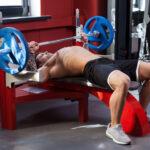 efectos-del-levantamiento-de-pesas-en-el-pecho
