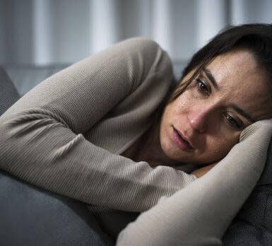 qué causa la soledad y la depresión y su efecto y tratamiento